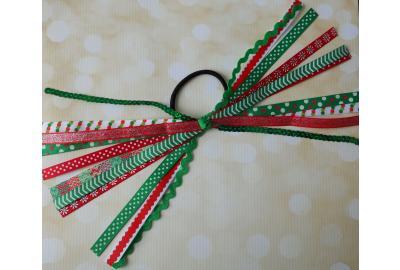 Christmas Pony Hair Streamers Tutorial