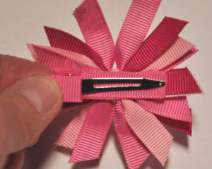 Spiky-Bow-Attach-Clip