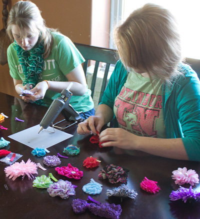 Beths Making Operation Christmas Child Hair-Flowers