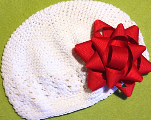 gift-bow-beanie-brittany