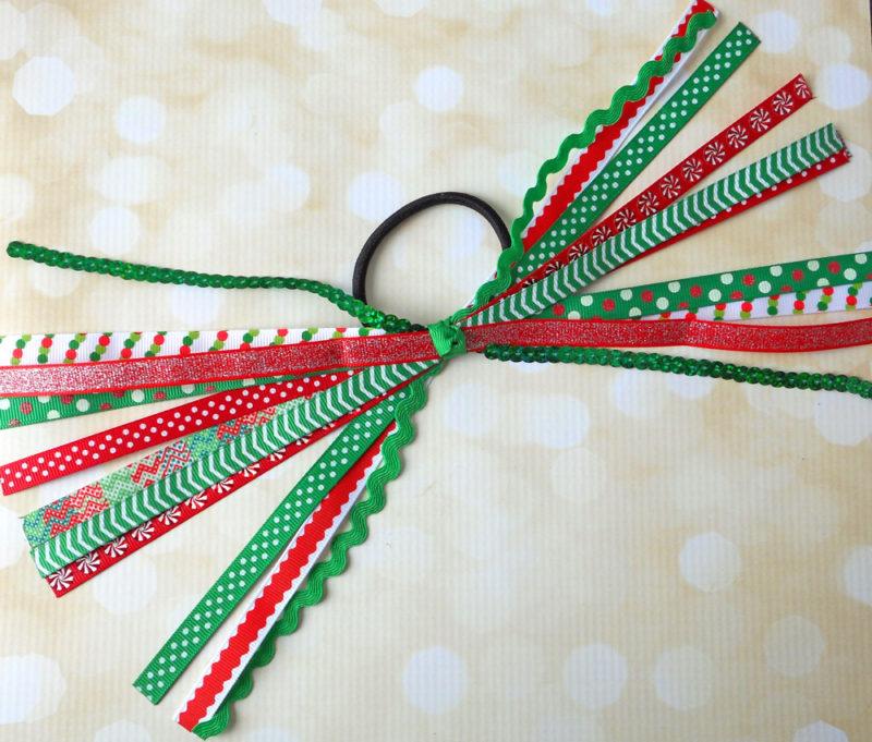 christmas-ponytail-ribbon-streamers